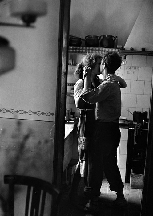 Kitchen Kiss